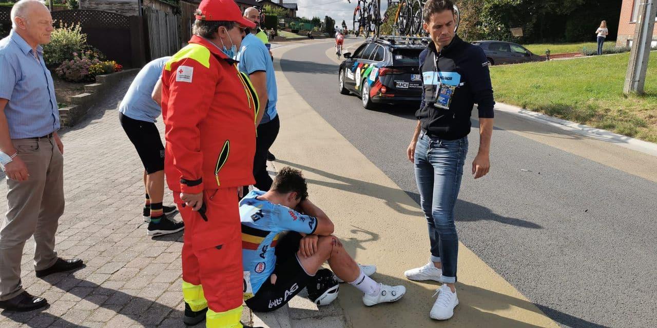 Le Mondial Espoirs d'Arnaud De Lie s'arrête au sommet de la Moskesstraat, sur chute (PHOTO)