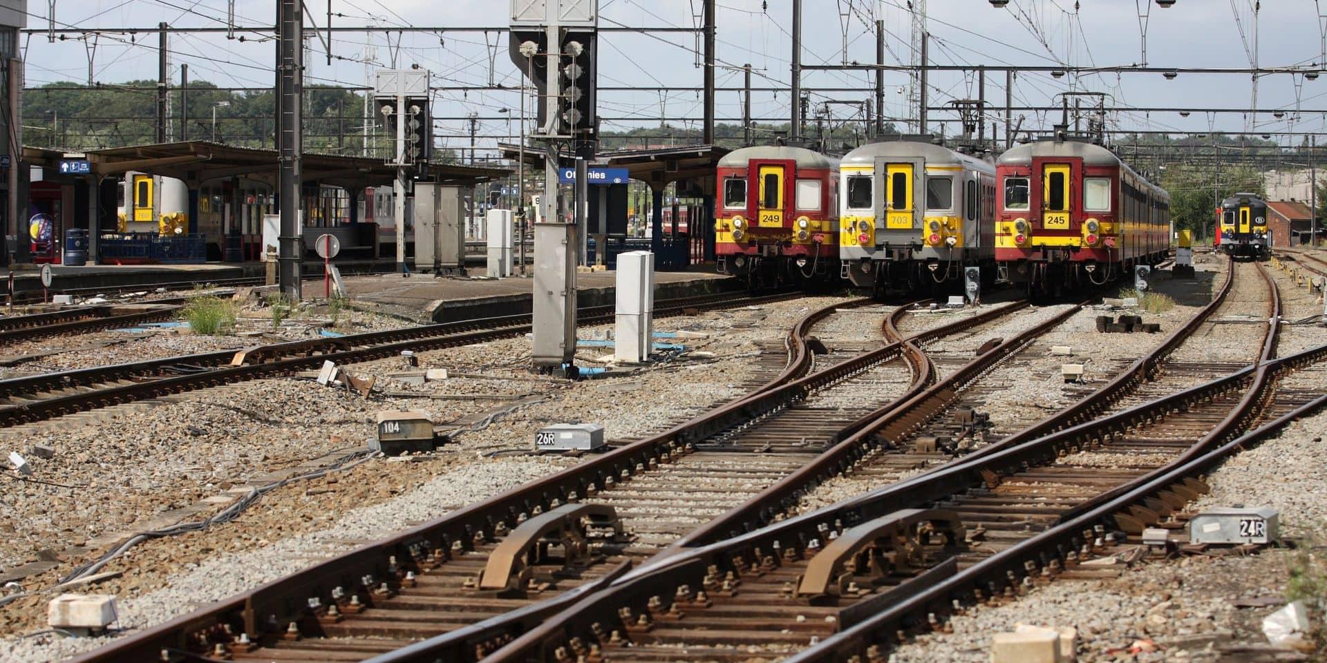 Circulation ferroviaire suspendue entre Ottignies et Tilly, les passages à niveau fermés