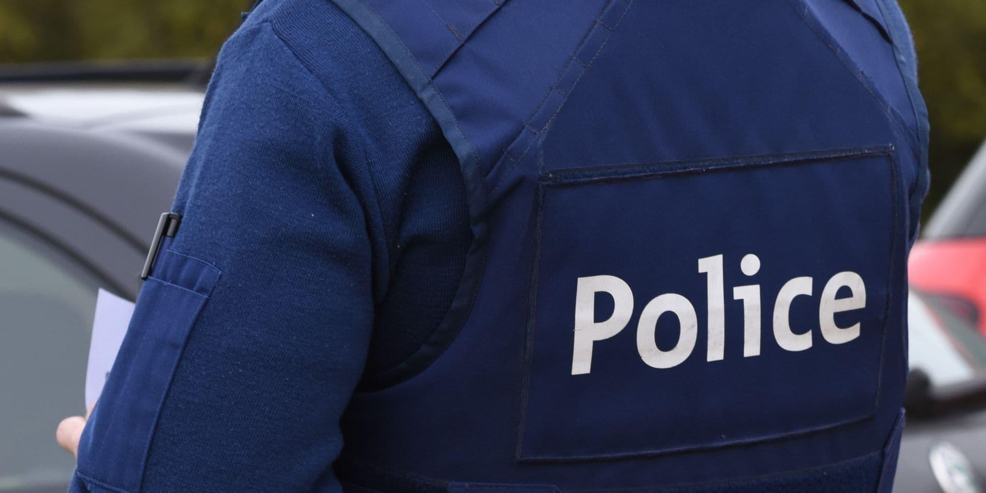 Une policière emprunte de l'argent à un toxicomane : virée !