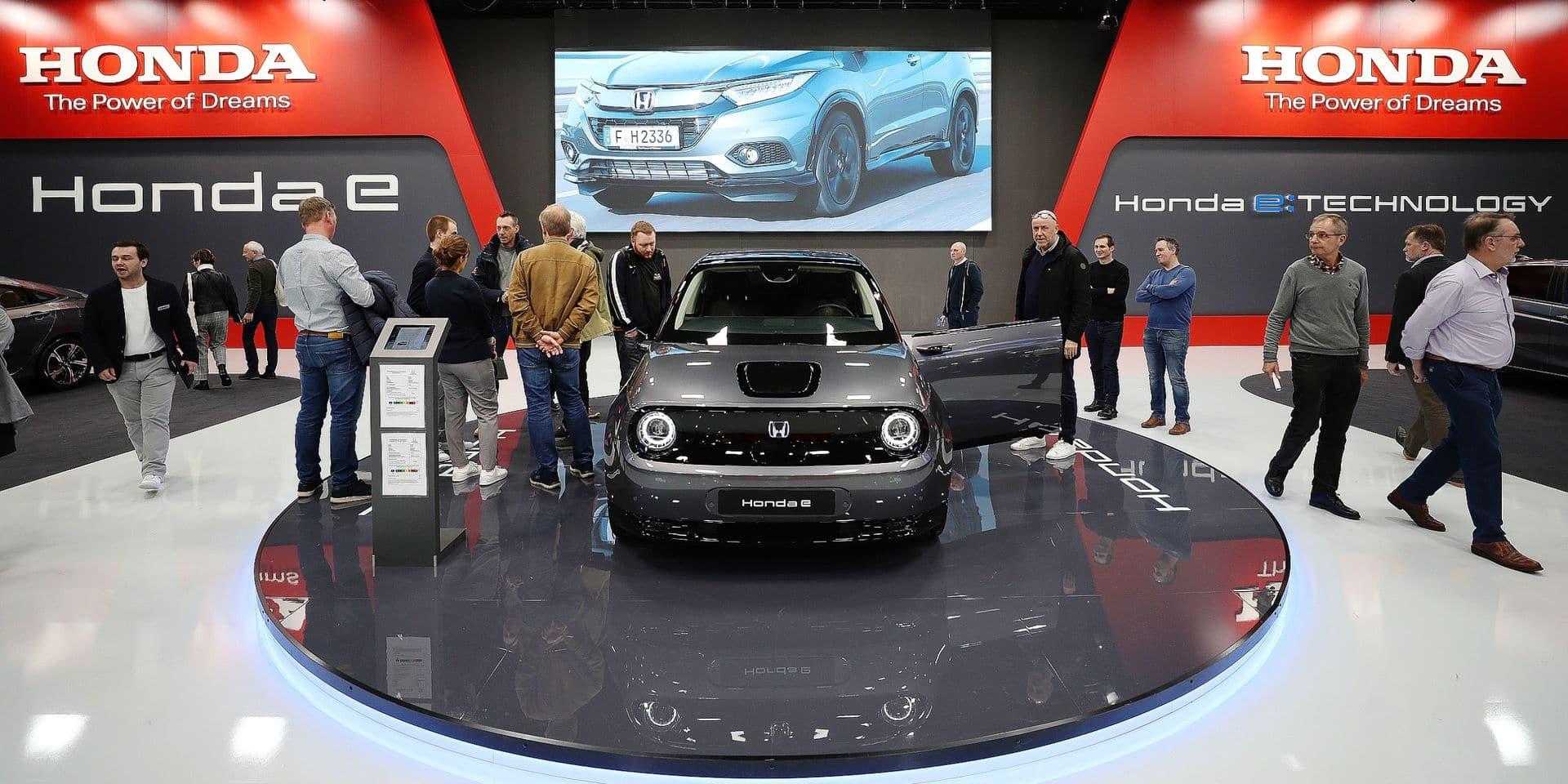 La Honda e attire les foules au Salon: elle a une bouille, un habitacle truffé d'écrans mais une autonomie qui est loin d'impressionner