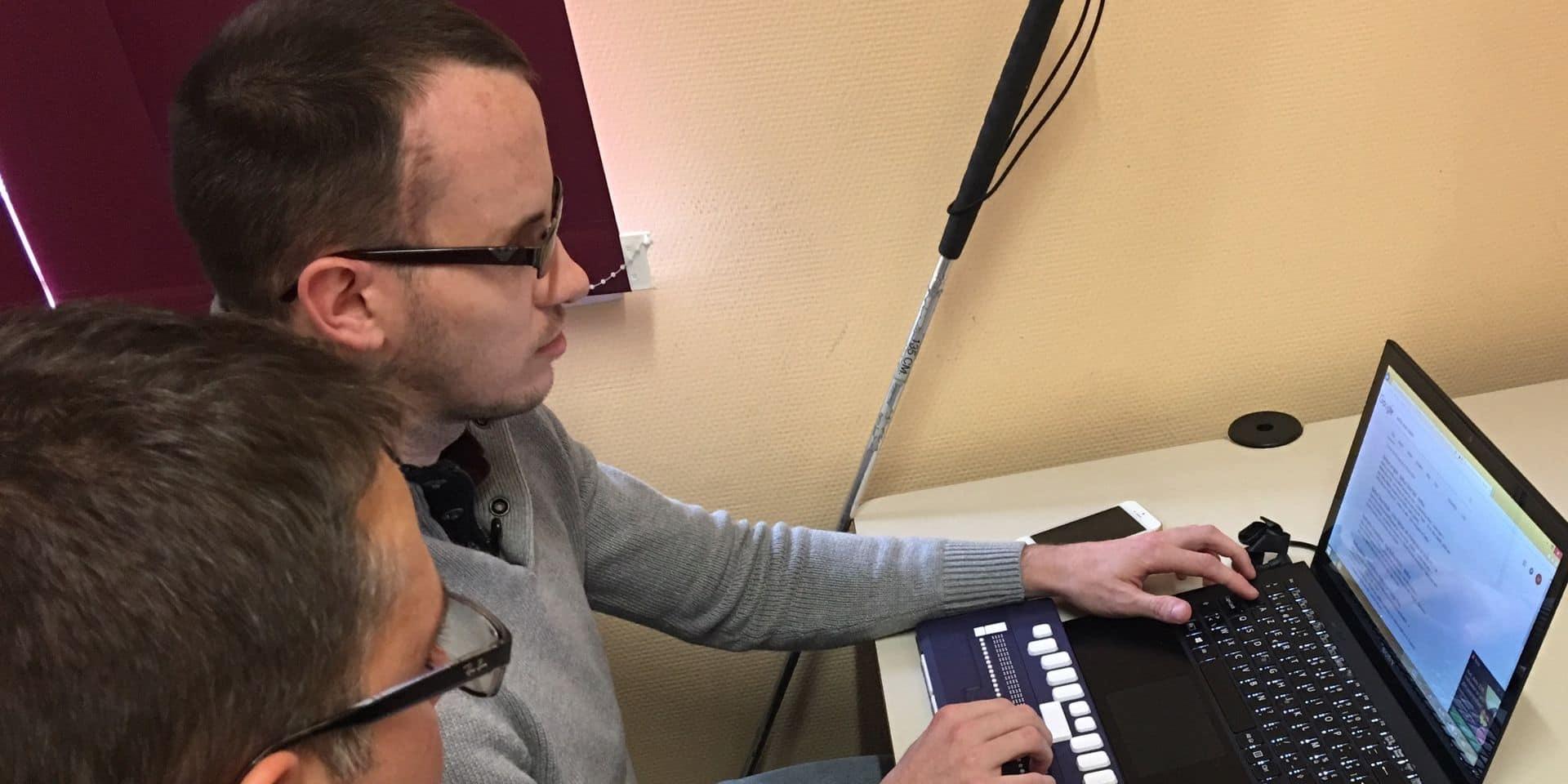Courcelles : des formations d'informatique dédiées aux personnes malvoyantes