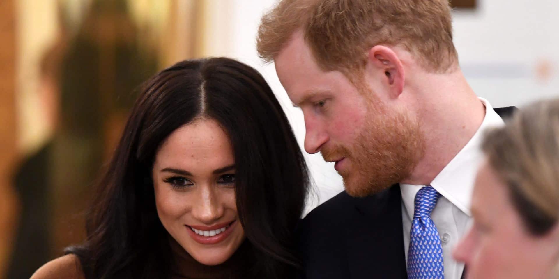 Meghan et Harry virent 15 personnes et tournent le dos à Buckingham Palace pour de bon