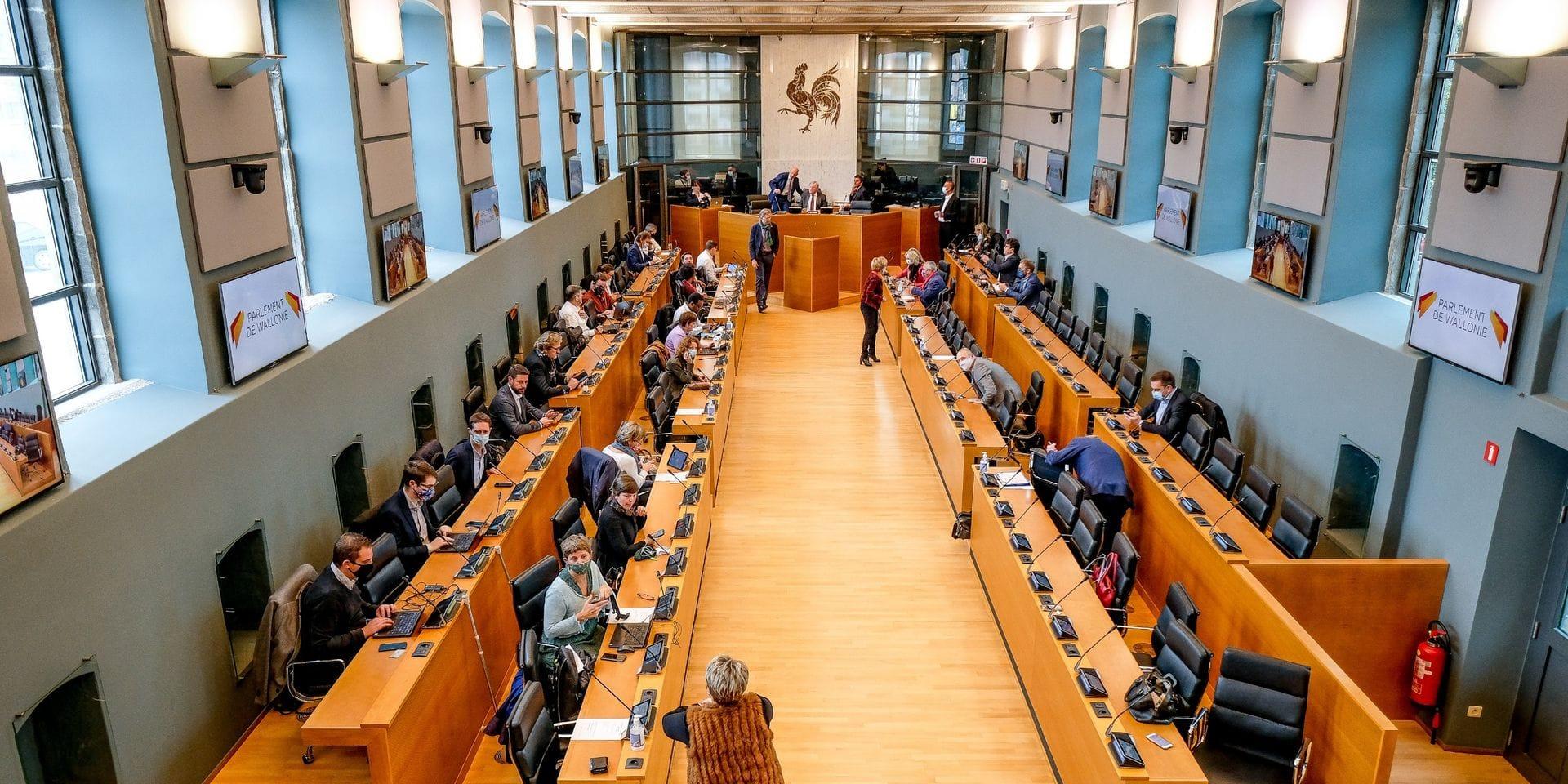 Boucle du Hainaut: imbroglio autour du vote au Parlement wallon