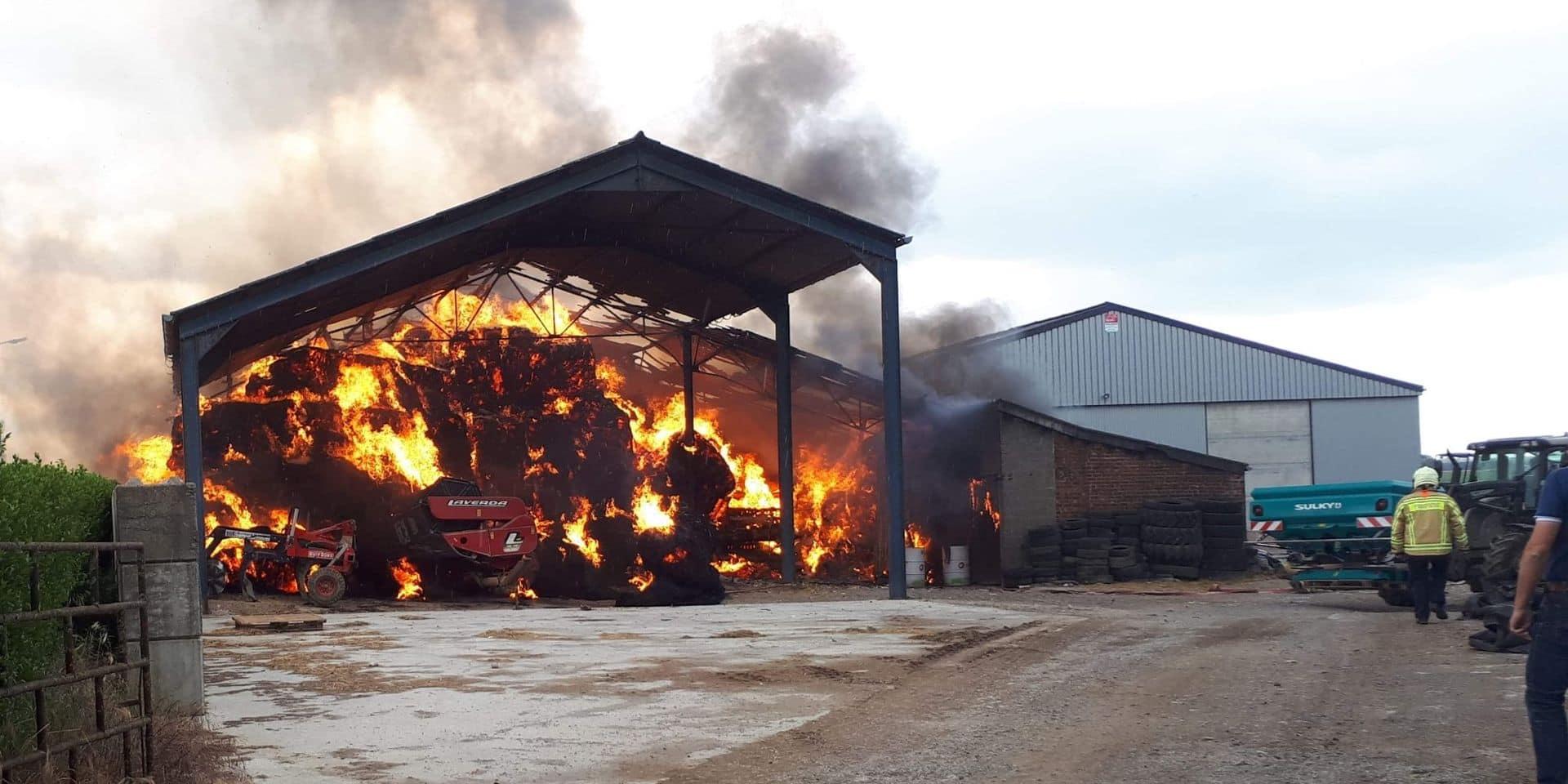 Donstiennes: un hangar agricole en feu