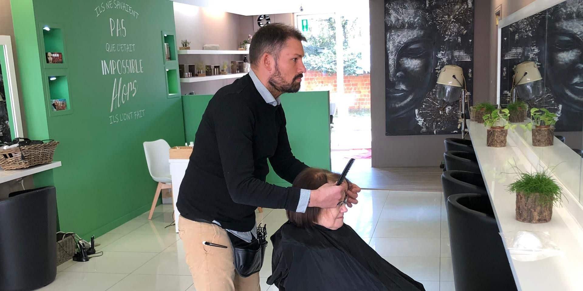Certains coiffeurs sont furieux de ne pas être obligés de fermer !