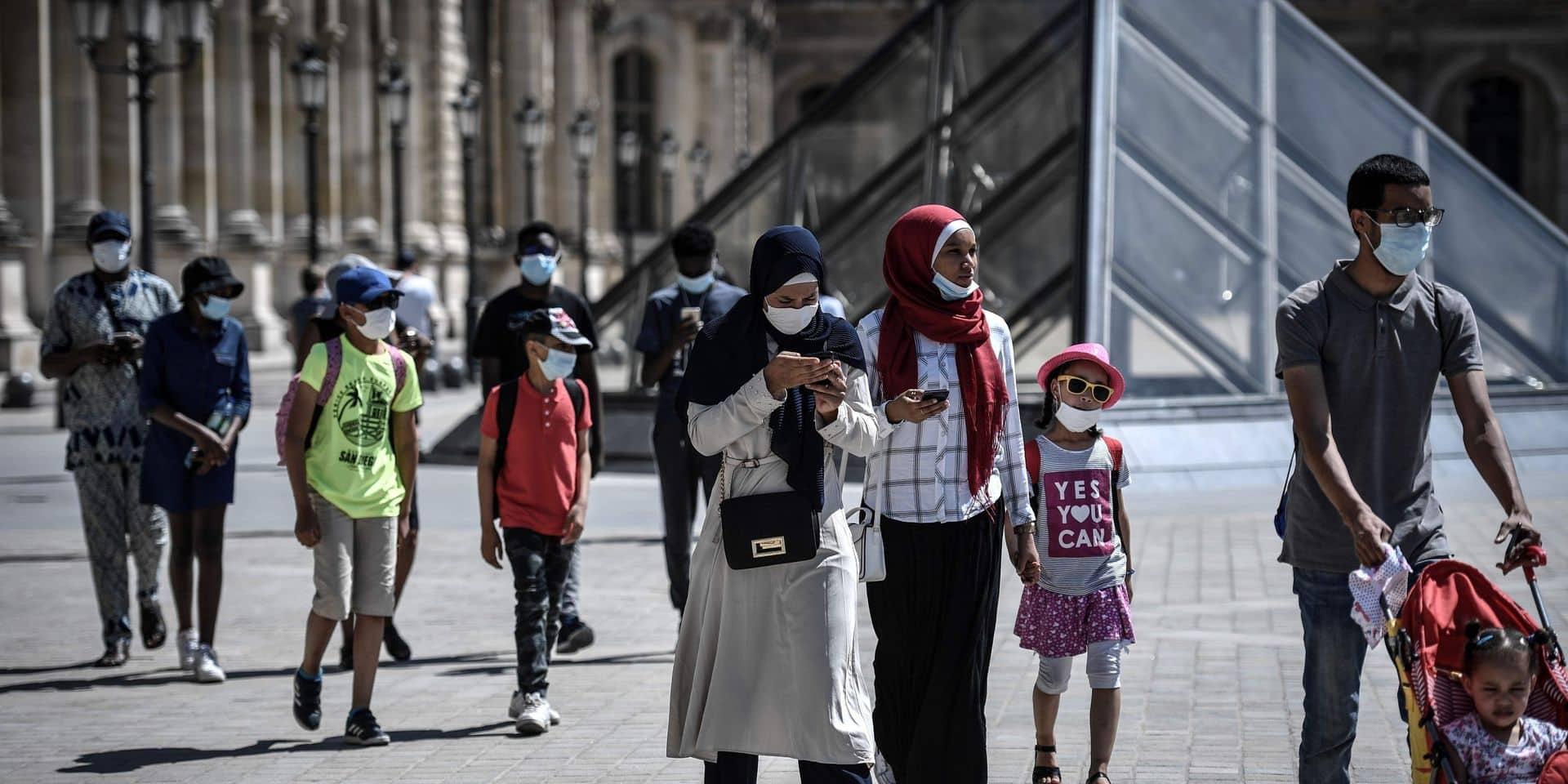 Coronavirus en France: le nombre de cas a augmenté de plus de 30% en une semaine