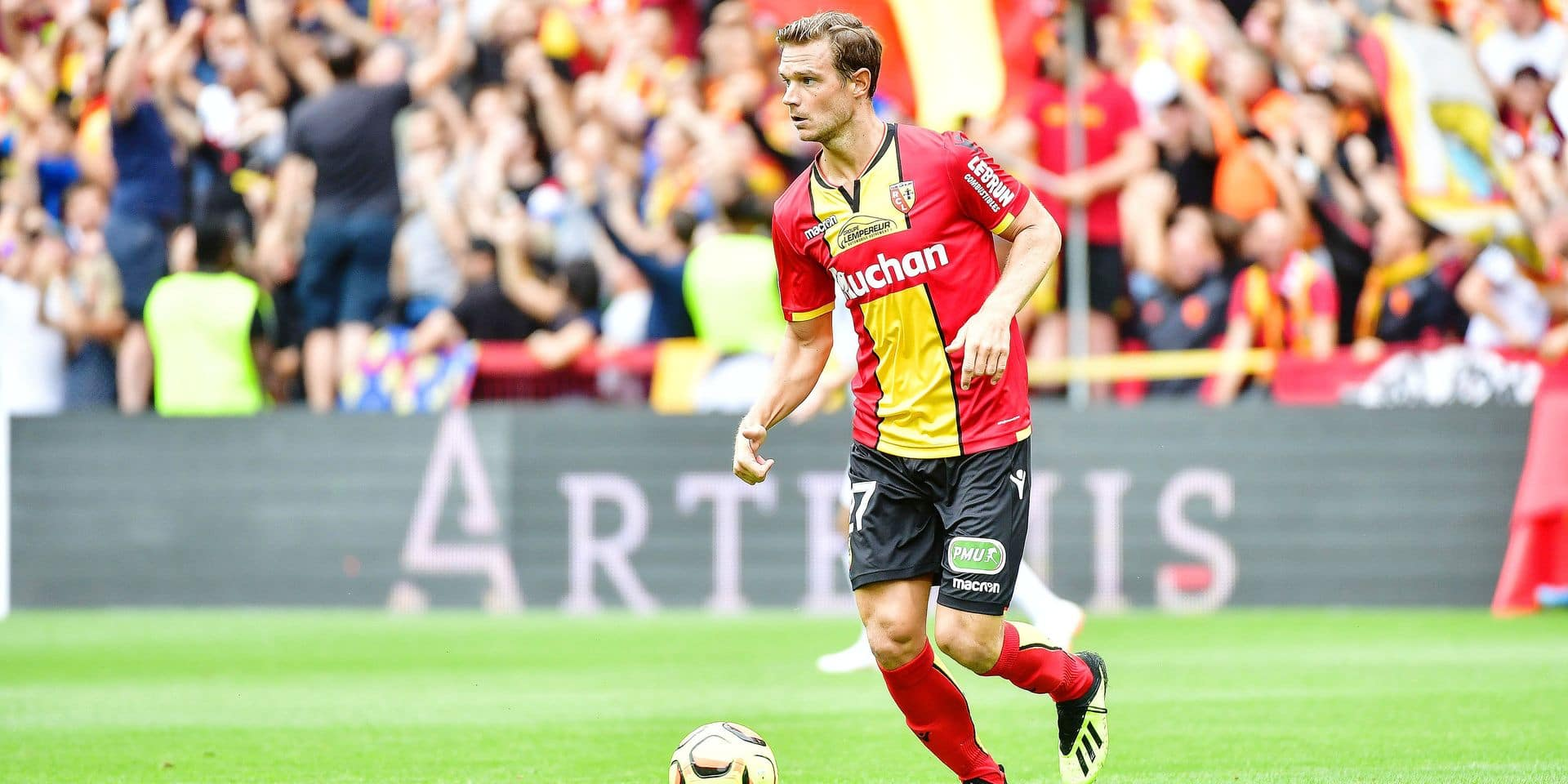 Guillaume Gillet of Lens during the French Ligue 2 match between RC Lens and Troyes at Stade Bollaert-Delelis on August 18, 2018 in Lens, France. (Photo by Dave Winter/Icon Sport)