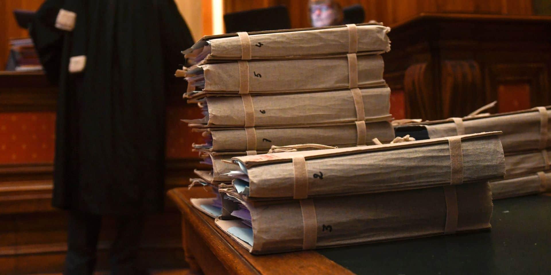 Le prévenu se présente comme victime : il a déjà découragé 42 avocats