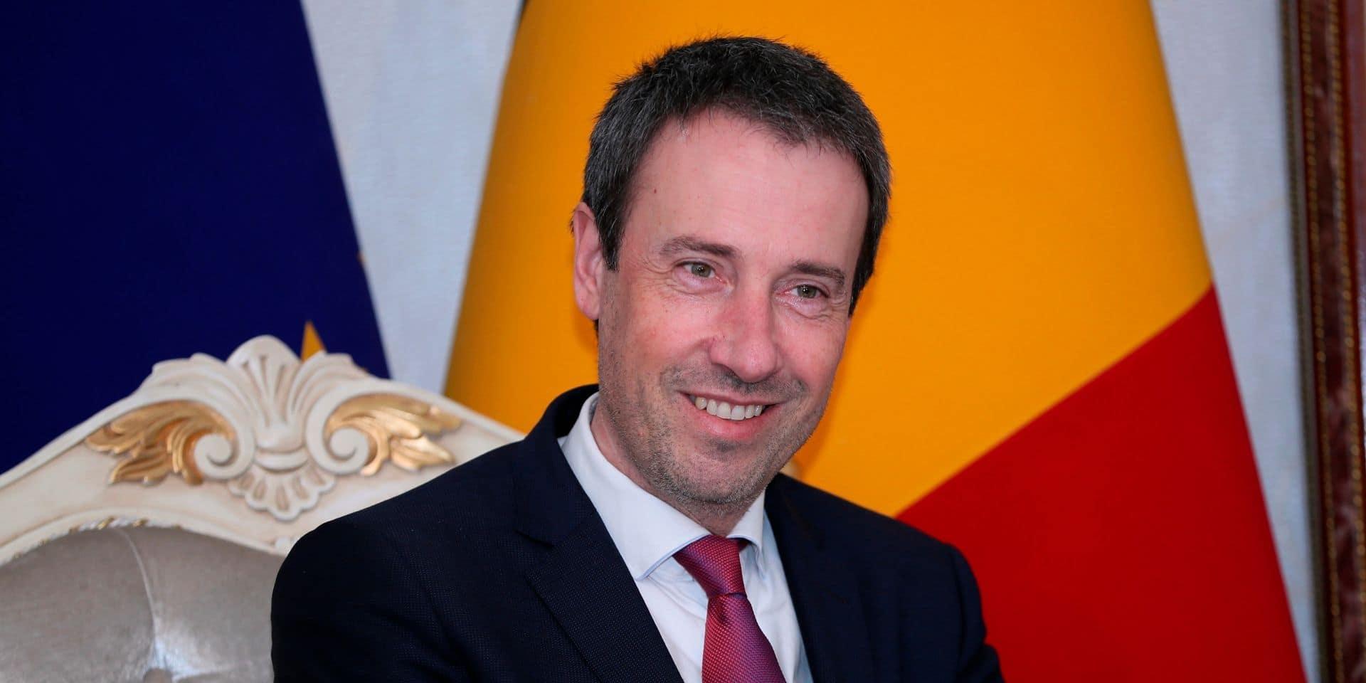 """""""Environ 5.000 Belges ont déjà été rapatriés par le gouvernement"""", assure Philippe Goffin"""