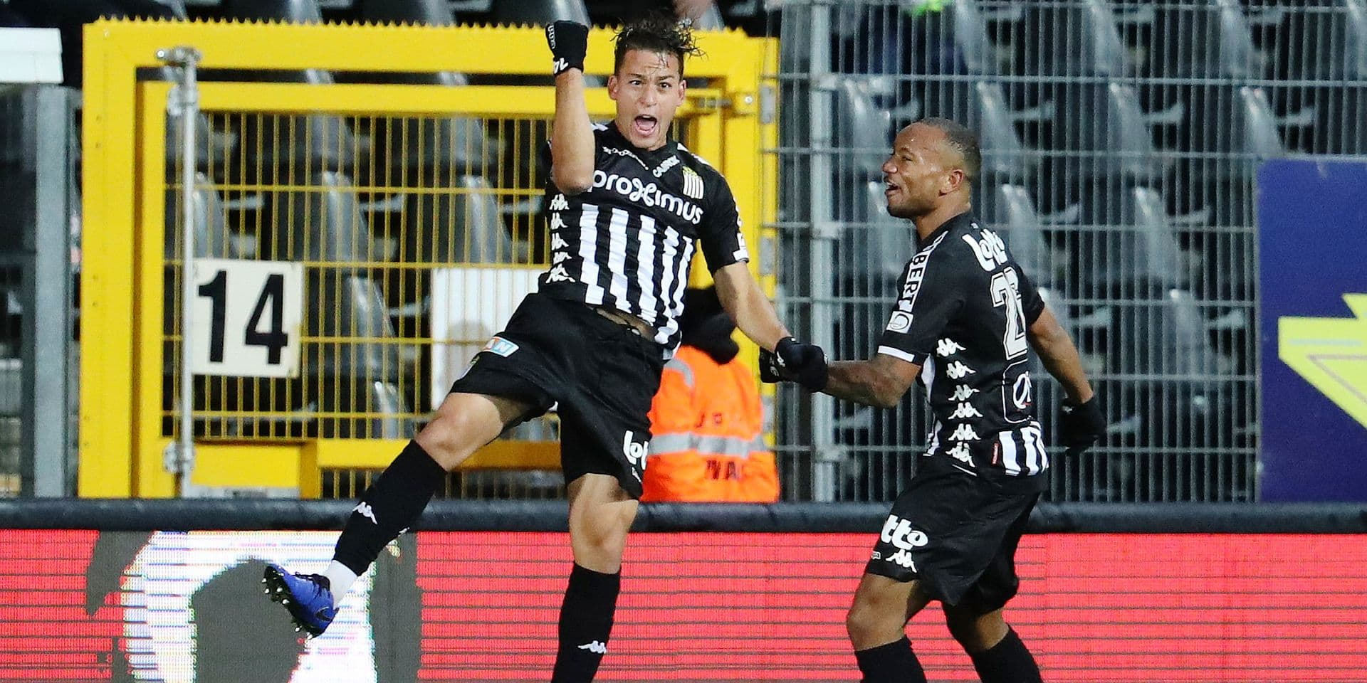 Charleroi's Christian Benavente celebrates after scoring during a soccer game between Sporting Charleroi and Cercle Brugge KSV, Saturday 01 December 2018 in Charleroi, on day 17 of the 'Jupiler Pro League' Belgian soccer championship season 2018-2019. BELGA PHOTO VIRGINIE LEFOUR