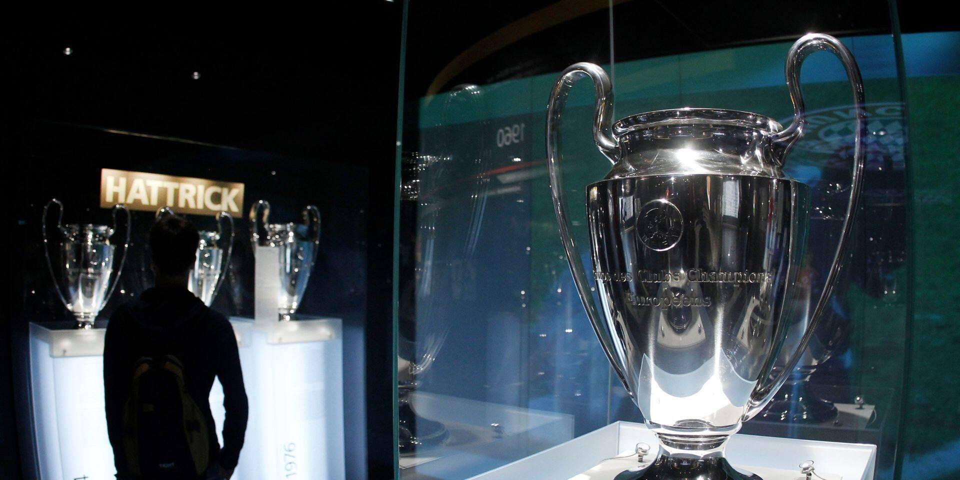 Pendant ce temps, l'UEFA annonce l'adoption d'un nouveau format pour la Ligue des champions en 2024