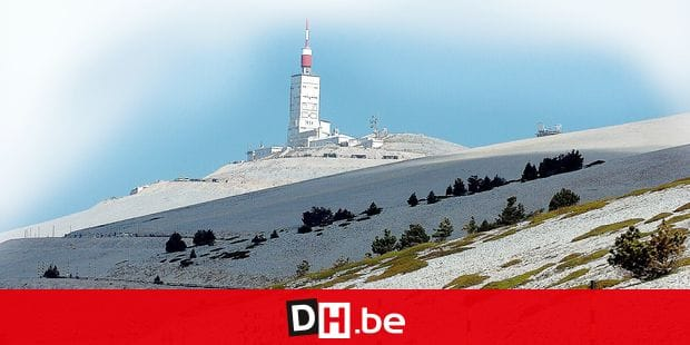 20070609 - MONT VENTOUX, FRANCE: Illustration picture shows flemish people pictured in action during the mountainside of the Mont Ventoux in France, Saturday 09 June 2007. Each year they're 2000 Flemish climbing the Mont Ventoux. BELGA PHOTO SERGE DI LORETO *** Local Caption ***