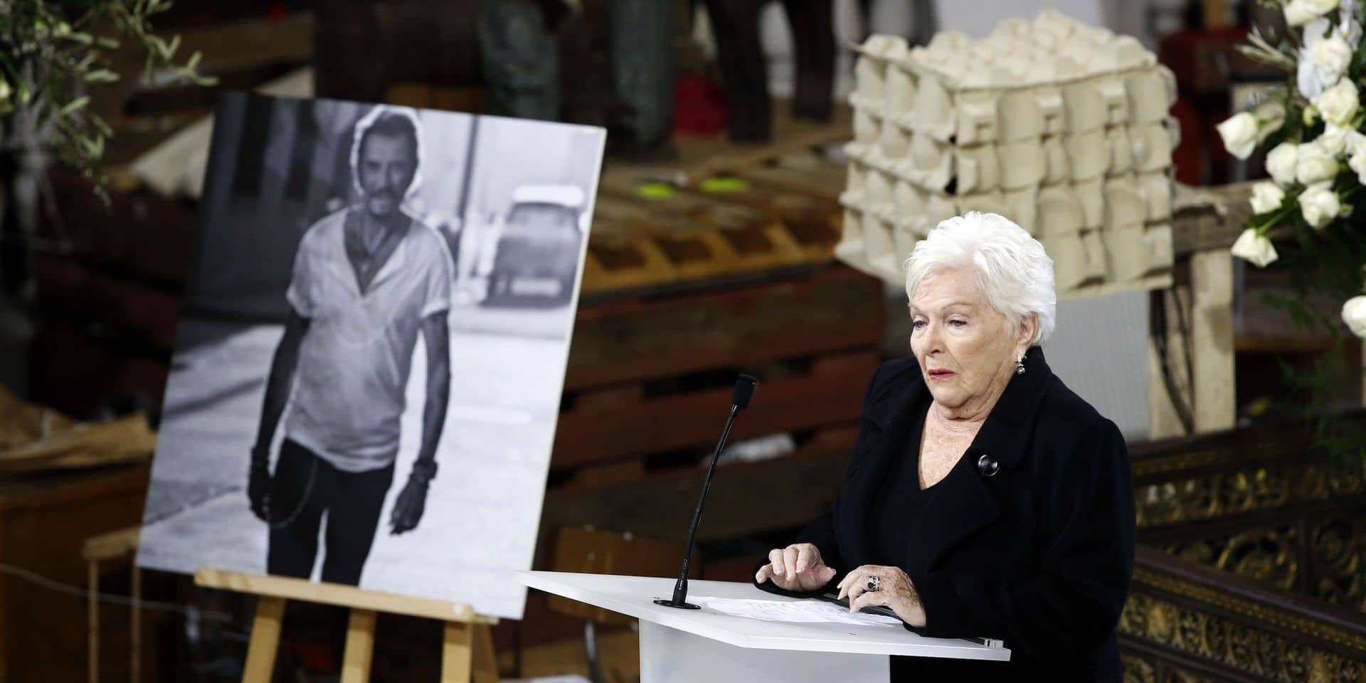"""""""C'est un suicide!"""": Line Renaud à propos de la mort de Johnny Hallyday"""