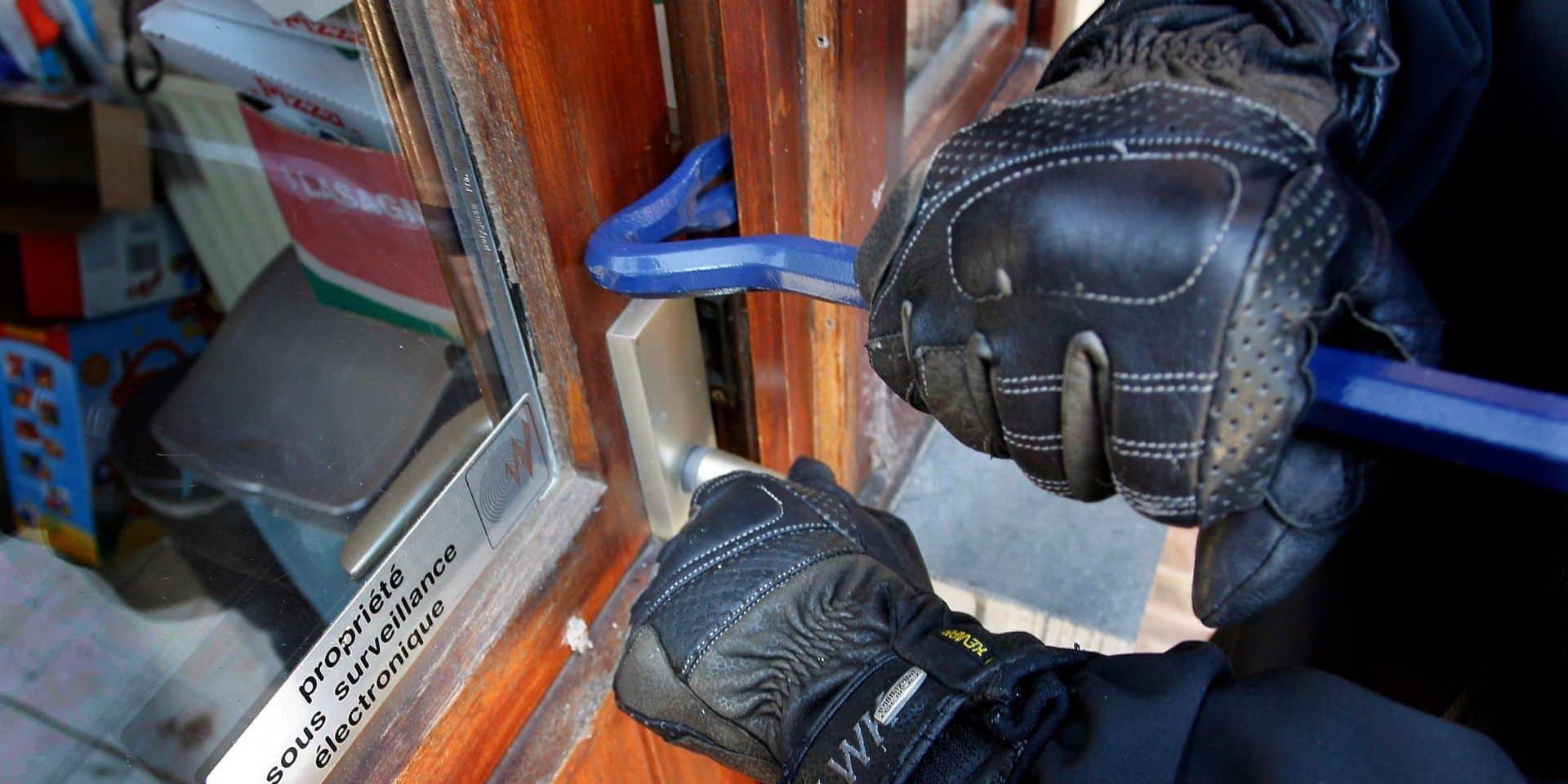 Trois voleurs multirécidivistes arrêtés en pleine action à Ixelles