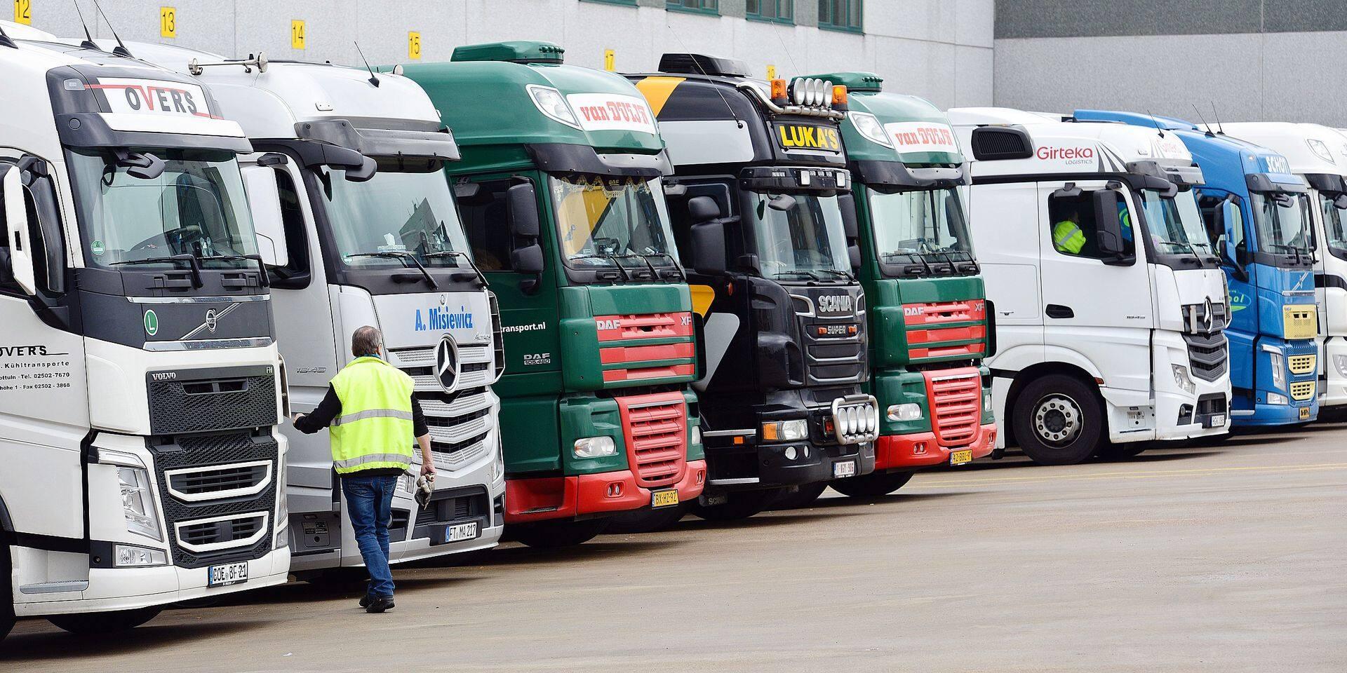 Port Anvers industrie travail chômage emploi camion kilomètre taxe Viapass chauffeur routier transport
