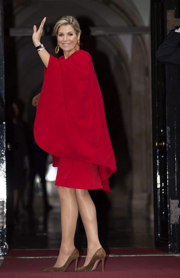 Le rouge, une couleur que la reine Maxima affectionne.