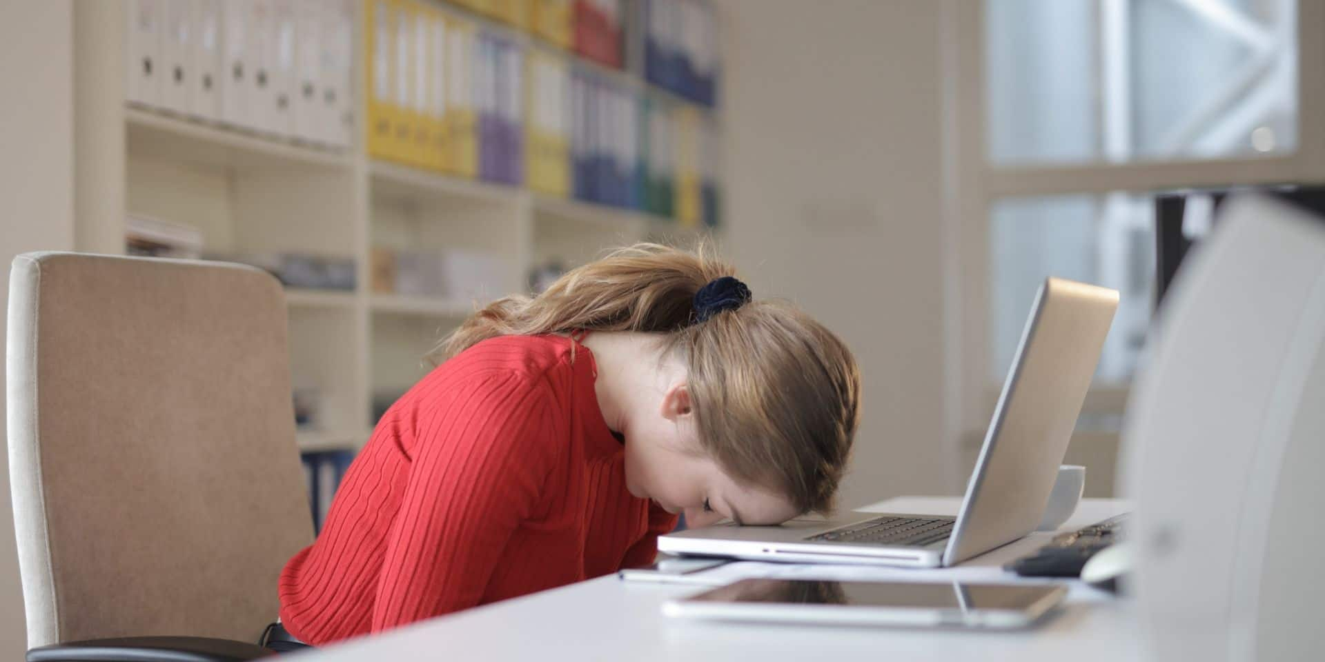 En entreprise ou en télétravail : être assis 6h39 en moyenne par jour, c'est non!