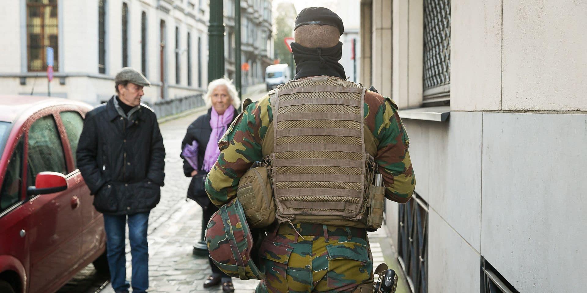 """La police remplacera l'armée en rue par étapes: """"Ils disposeront de la formation et des moyens pour se défendre et pour sécuriser tous ces endroits"""""""