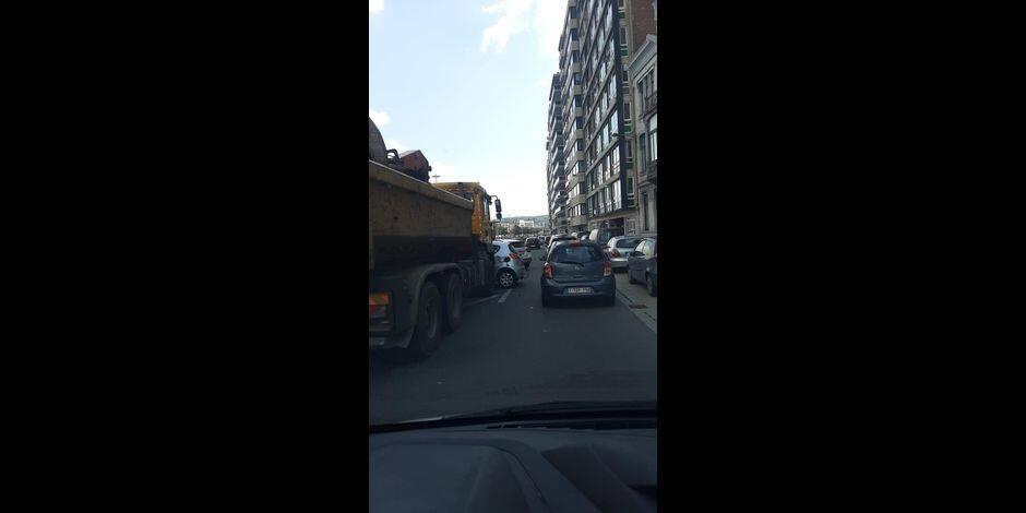 Le quai de Rome temporairement fermé à la circulation à la suite d'un accident impliquant un camion et une voiture