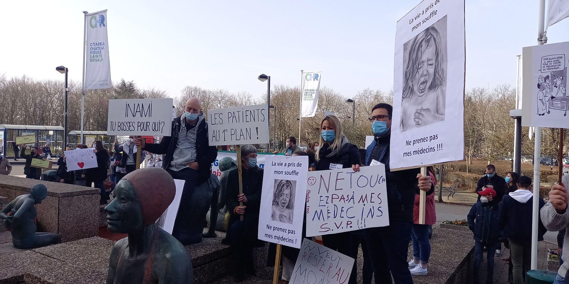 Manifestation devant la Citadelle ce matin