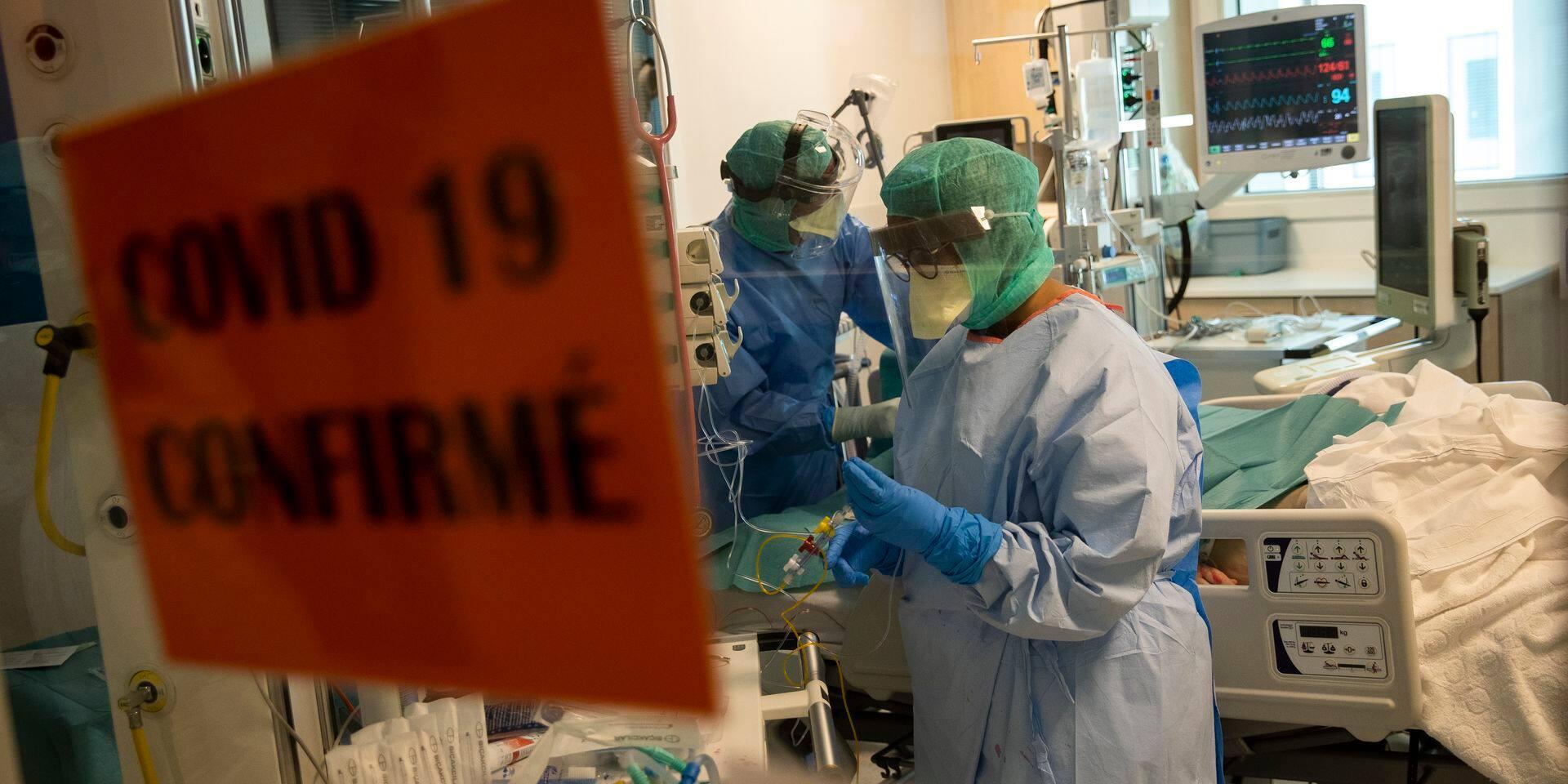 """Les hôpitaux tirent la sonnette d'alarme: """"Les mesures ont été prises trop tard"""""""