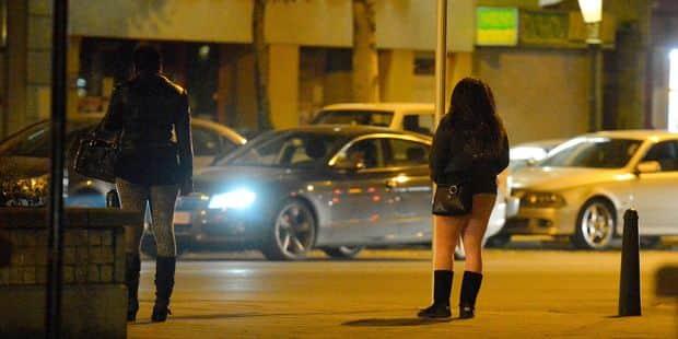 Quatre prostitués portent plainte contre la police de Bruxelles pour extorsion - La DH
