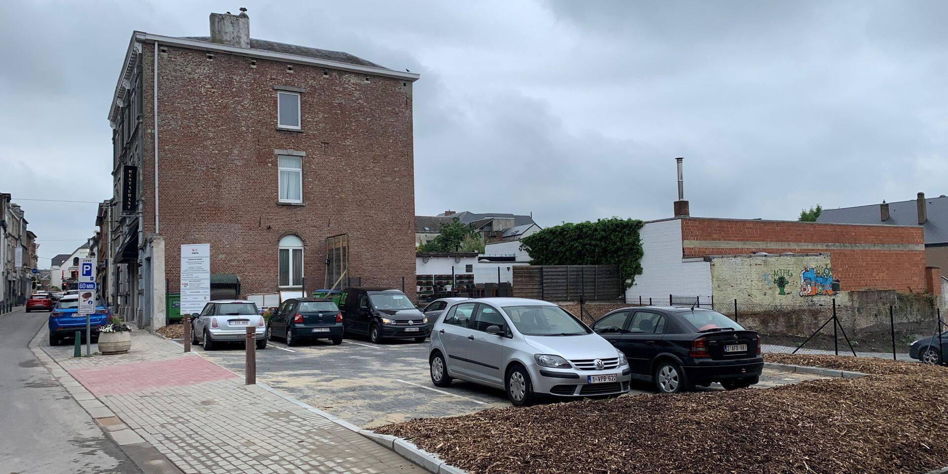 De nouvelles places de parking limitées à une heure dans le centre de Genappe, trop peu?
