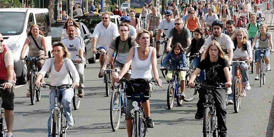 """Bruxelles Mobilité lance la campagne """"Pédalez, ça rend heureux"""" pour améliorer la santé mentale des Bruxellois"""
