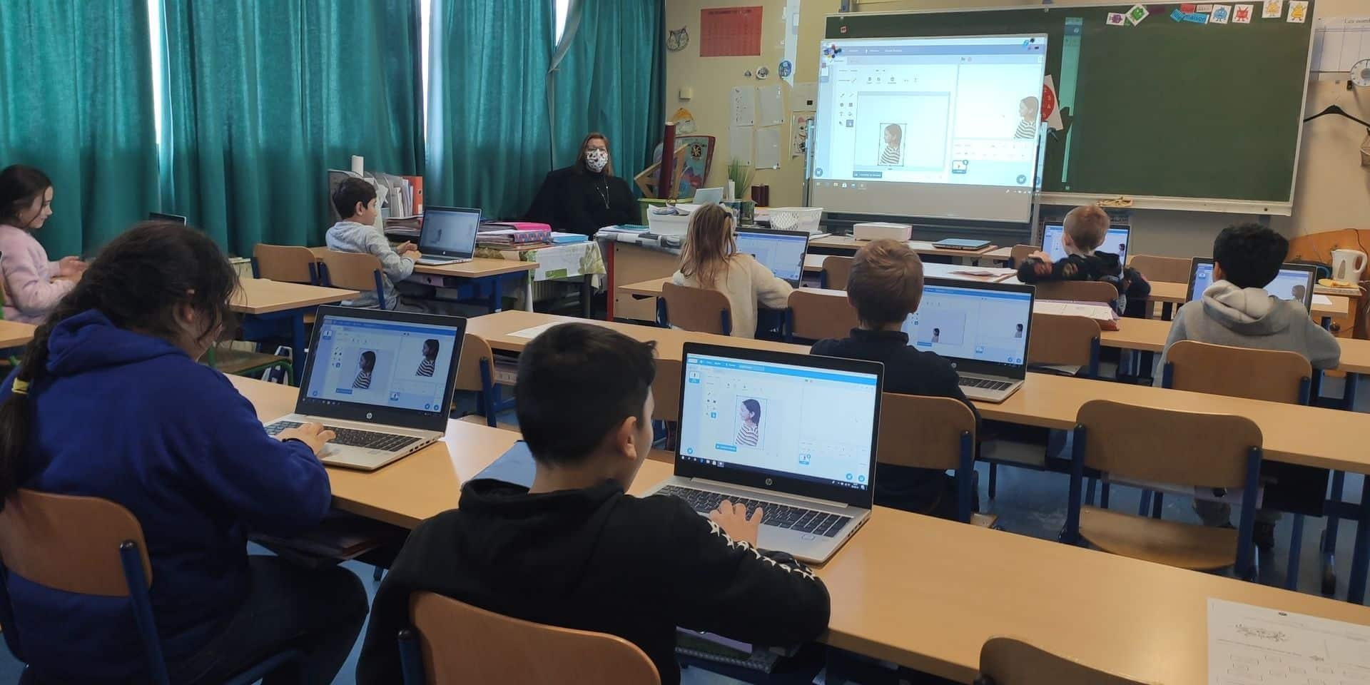 """Le projet """"Apprendre à coder et coder pour apprendre"""" de l'école communale du Centre de Strépy-Bracquegnies porte ses fruits"""