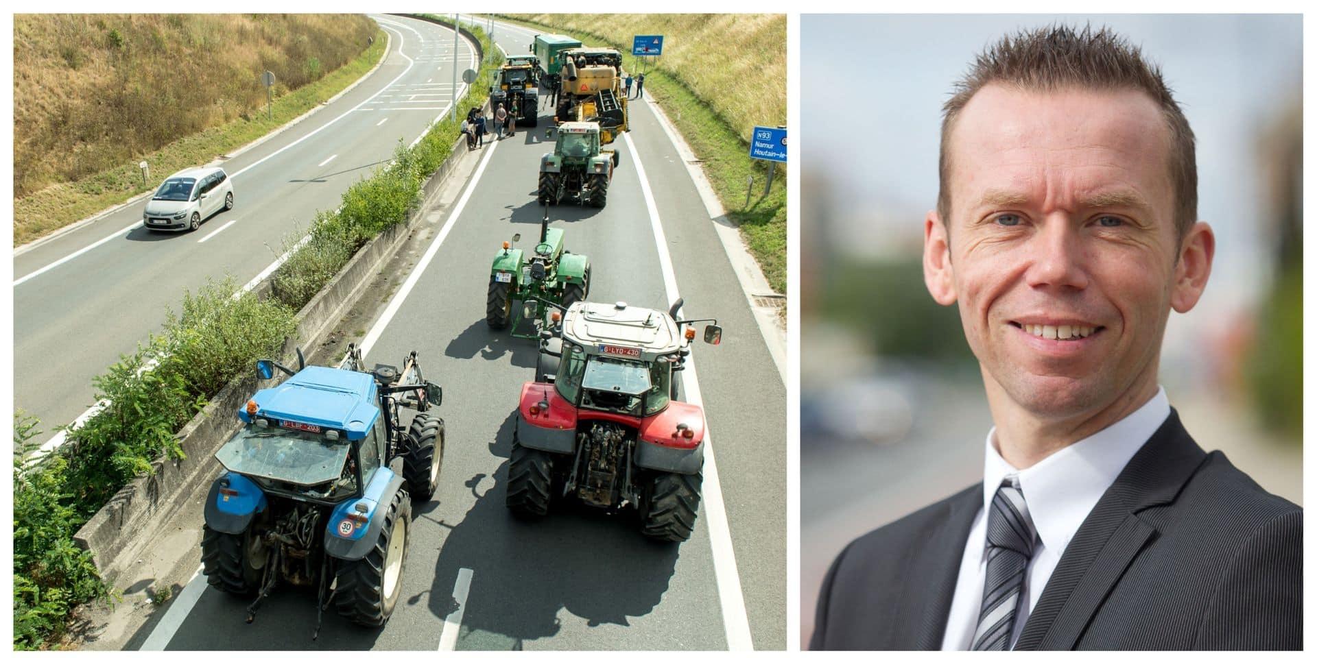 Tracteurs maintenus sur la N25 : Vias salue la décision de la ministre