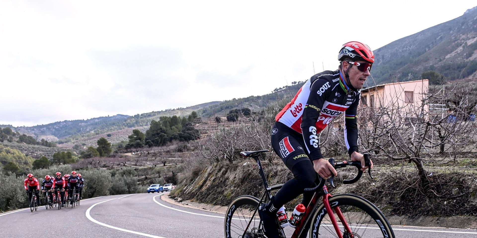 Après un début perturbé par le coronavirus, la saison cycliste débute dimanche à Marseille
