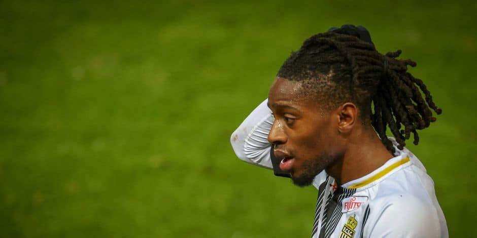 Joris Kayembe prolonge son contrat avec Charleroi jusqu'en 2023