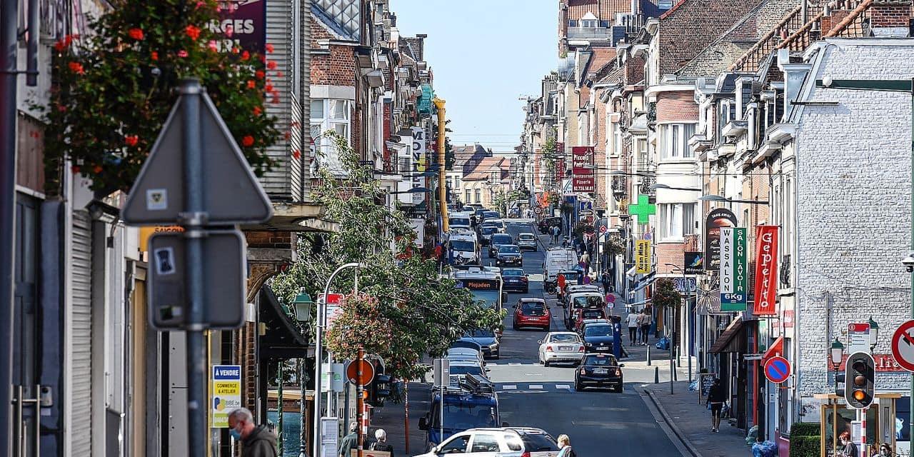 Le cœur du quartier est l'avenue Georges Henri, connue aujourd'hui pour ses nombreux commerces.