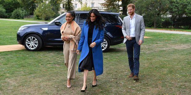 Petite révolution au palais : Meghan Markle cuit des keftas dans une tente installée à Kensington Palace ! - La DH