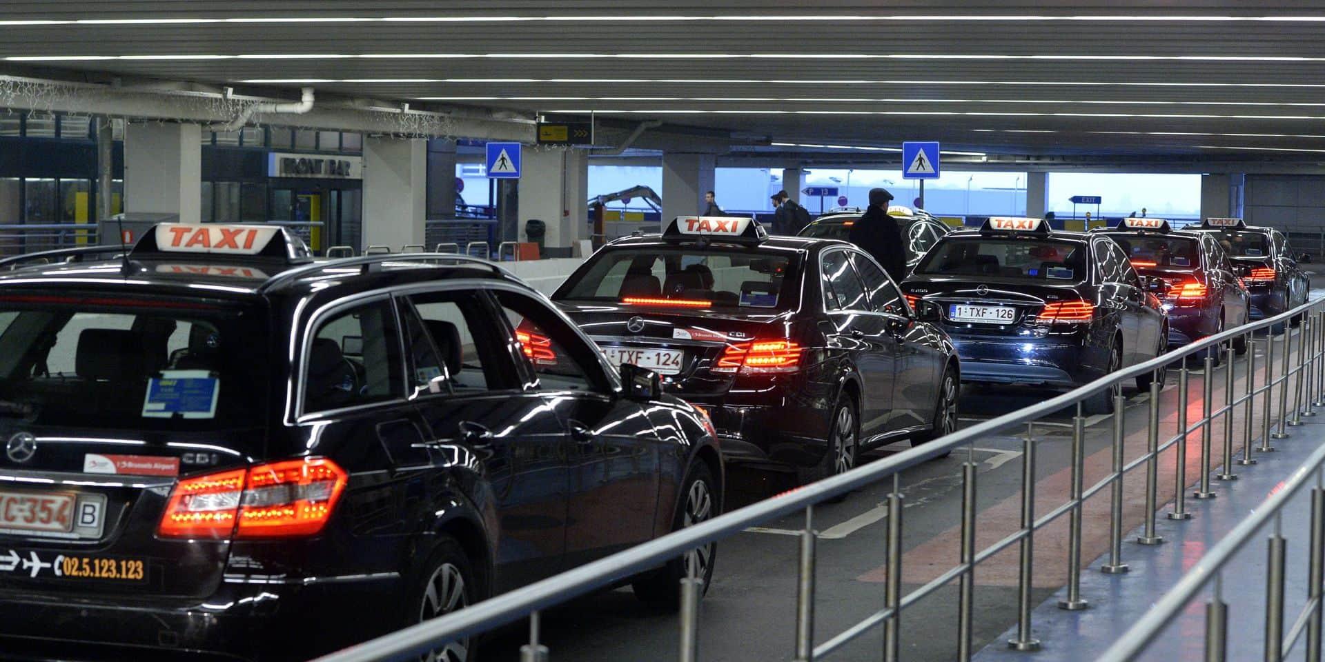 """Une première société de taxi licencie 8 chauffeurs à Brussels Airport : """"Le gouvernement a promis, nous n'avons rien vu"""""""