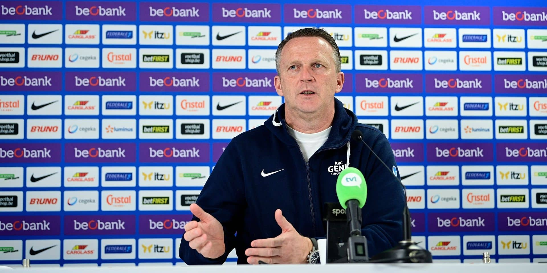 """John van den Brom fait de la Coupe un objectif: """"Nous sommes à trois matchs d'un ticket européen"""""""