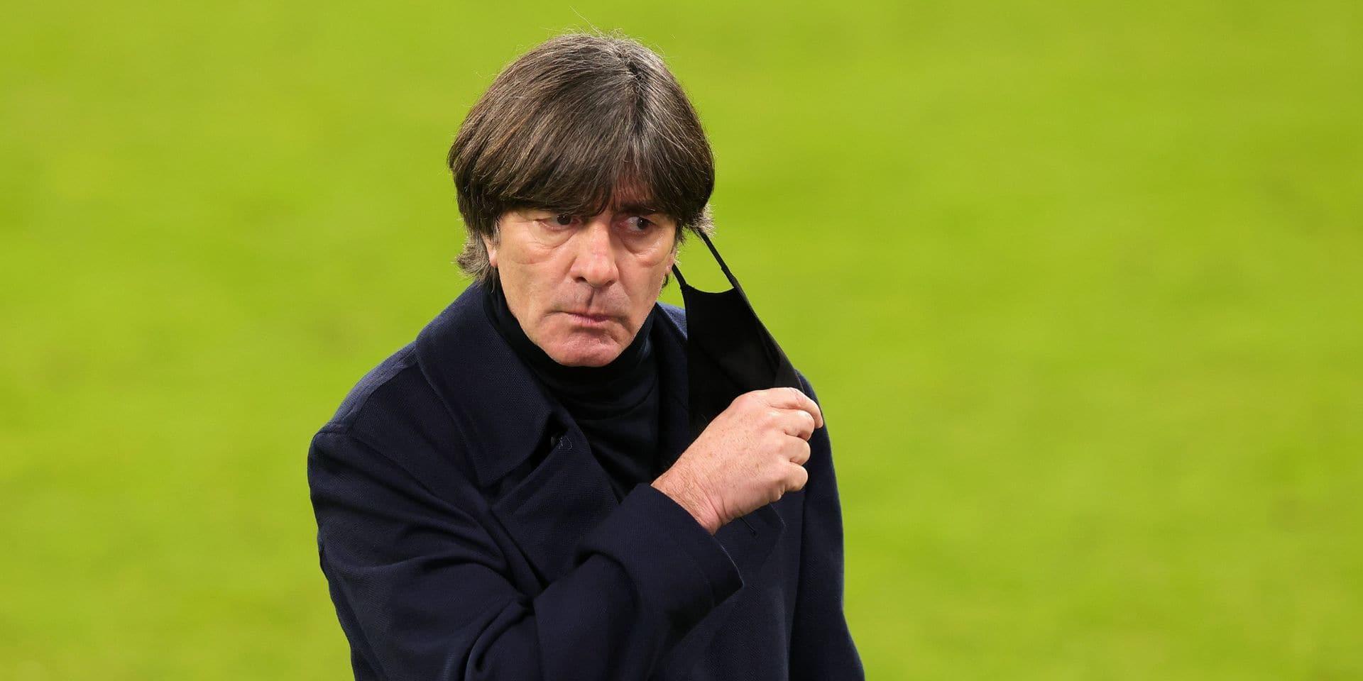"""""""Soirée noire"""" pour le foot allemand, déplore Löw"""