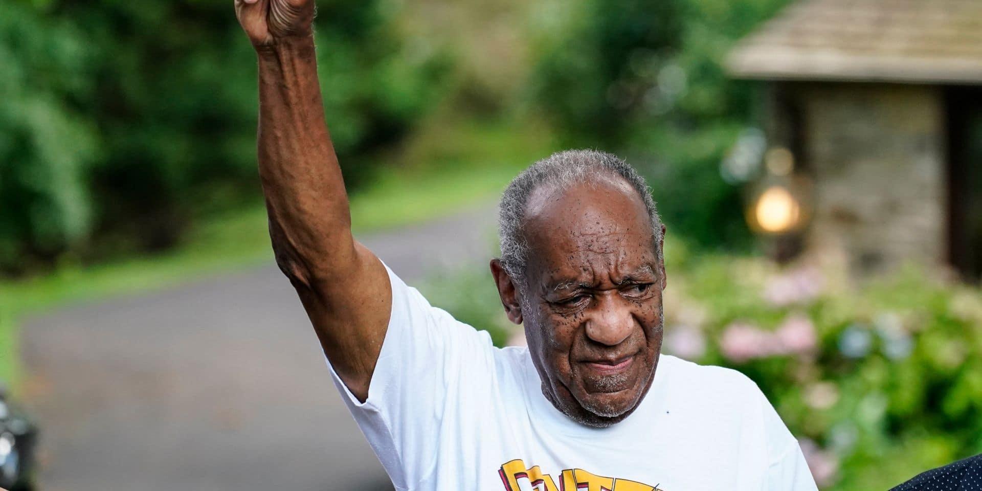 """""""J'ai le cœur brisé"""", """"Un coup de poing à l'estomac"""", """"Plus de 50 femmes l'ont accusé"""": les réactions à l'annulation de la condamnation de Bill Cosby"""