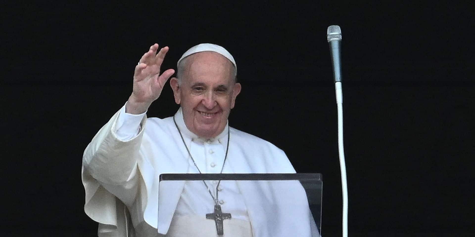 """Le pape François: """"Toujours en vie bien que certains veuillent ma mort"""""""