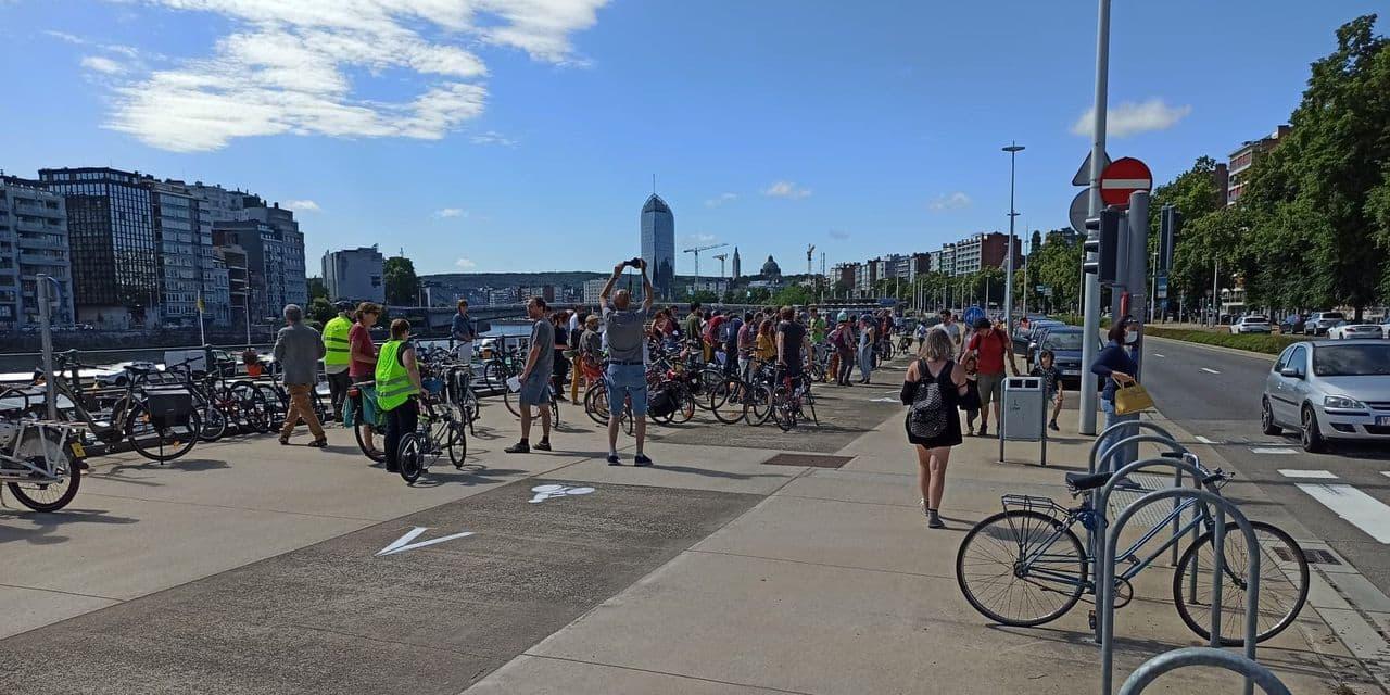 Liège, un vélo de retard ? Action cyclocitoyenne !