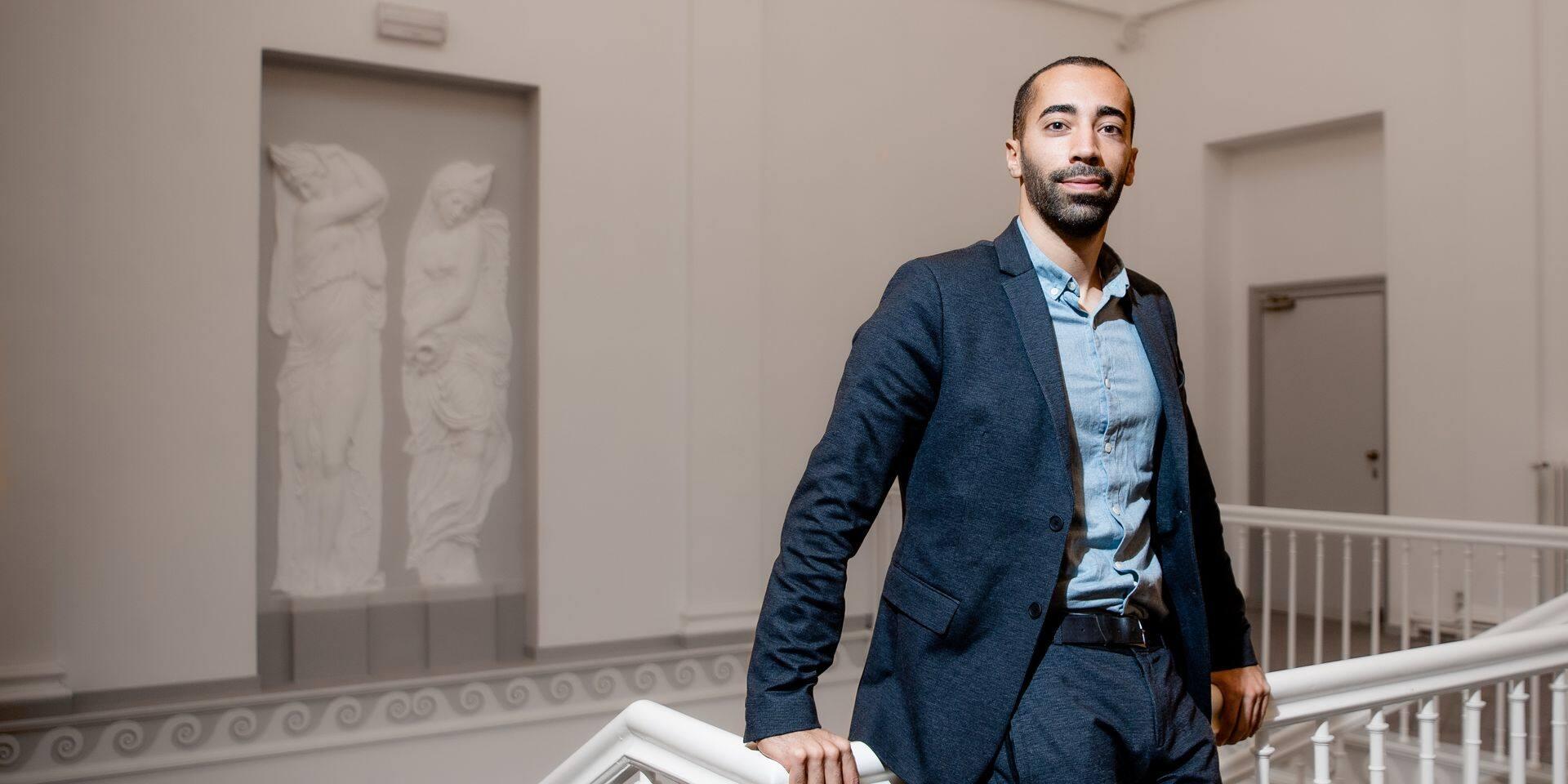 Bruxelles - Rue du Lambermont: Sammy Mahdi (CD&V) secretaire d'etat Asile et migration et charge de la loterie nationale au sein du gouvernement De Croo
