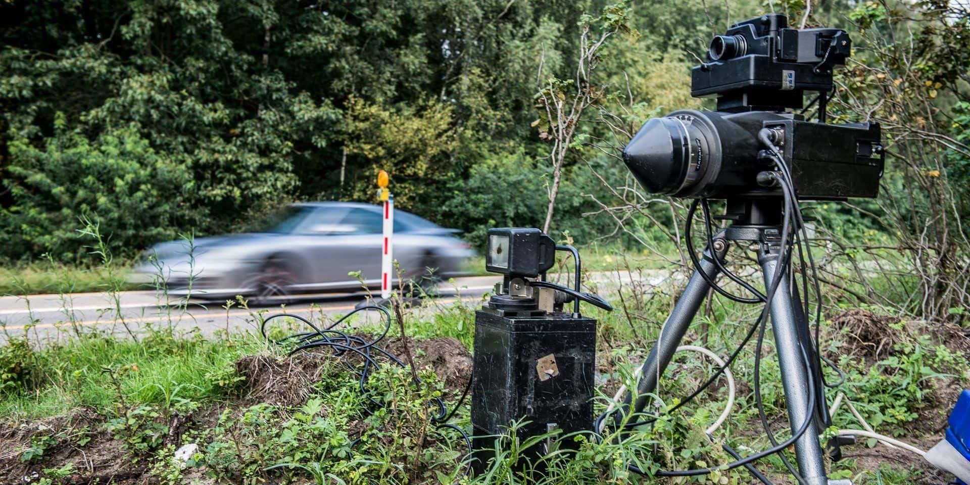 En Ferrari, il roule à plus de 120 km/heures dans les rues de Verviers
