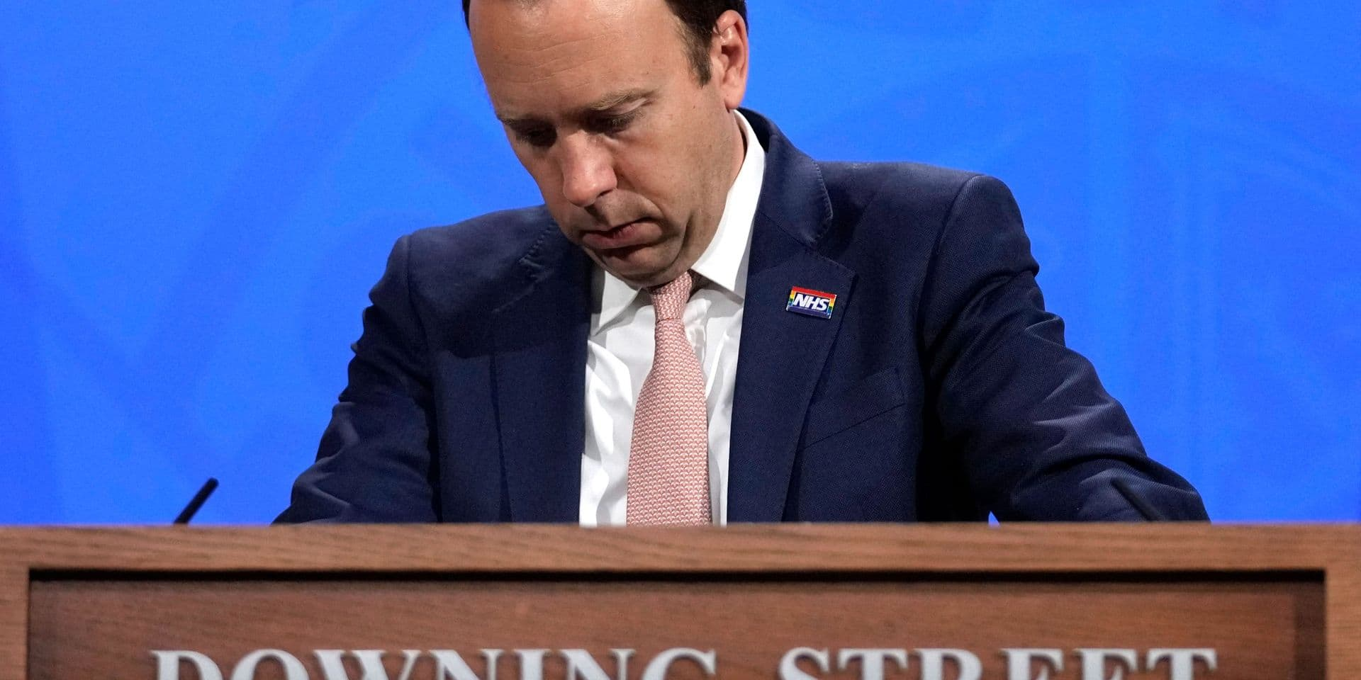 Après une vive polémique, le ministre britannique de la Santé démissionne