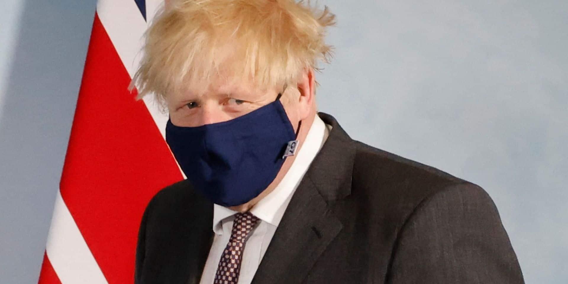 """""""La propagation du variant Delta au Royaume-Uni est très préoccupante"""": la levée des dernières mesures est-elle menacée?"""