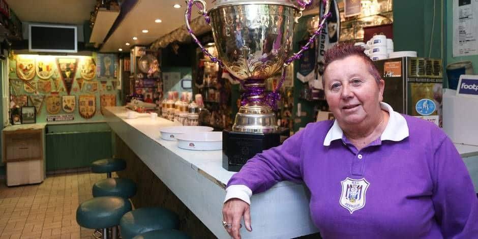 """Les supporters du Sporting d'Anderlecht de nouveau les bienvenus dans les bars : """"hâte de revoir nos clients"""""""
