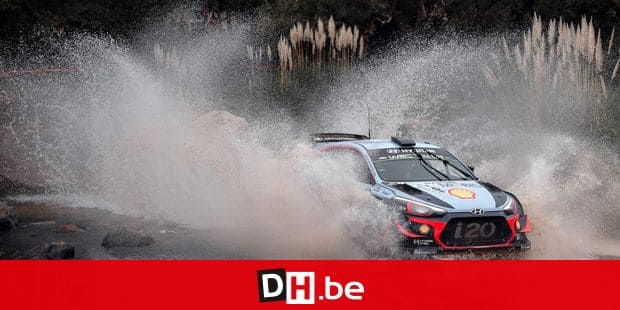 Belgian driver Thierry Neuville steers his Hyundai i20 Coupe WRC with his compatriot co-driver Nicolas Gilsoul, in the Argentine province of Cordoba, during the Argentina World Rally Championship (WRC) SS11 Cuchilla Nevada-Rio Pintos stage, on April 28, 2018. / AFP PHOTO / DIEGO LIMA
