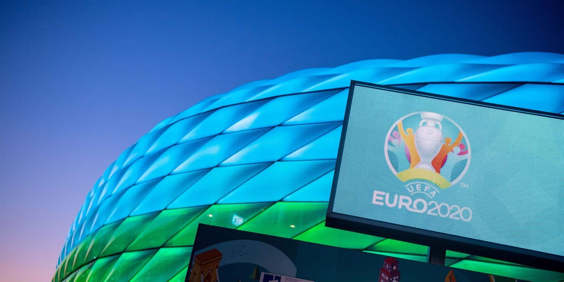 Des inconnus volent 22 bannières de l'Euro à Munich