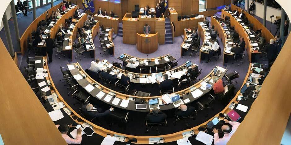 La première commission associant des citoyens au débat va entamer ses travaux