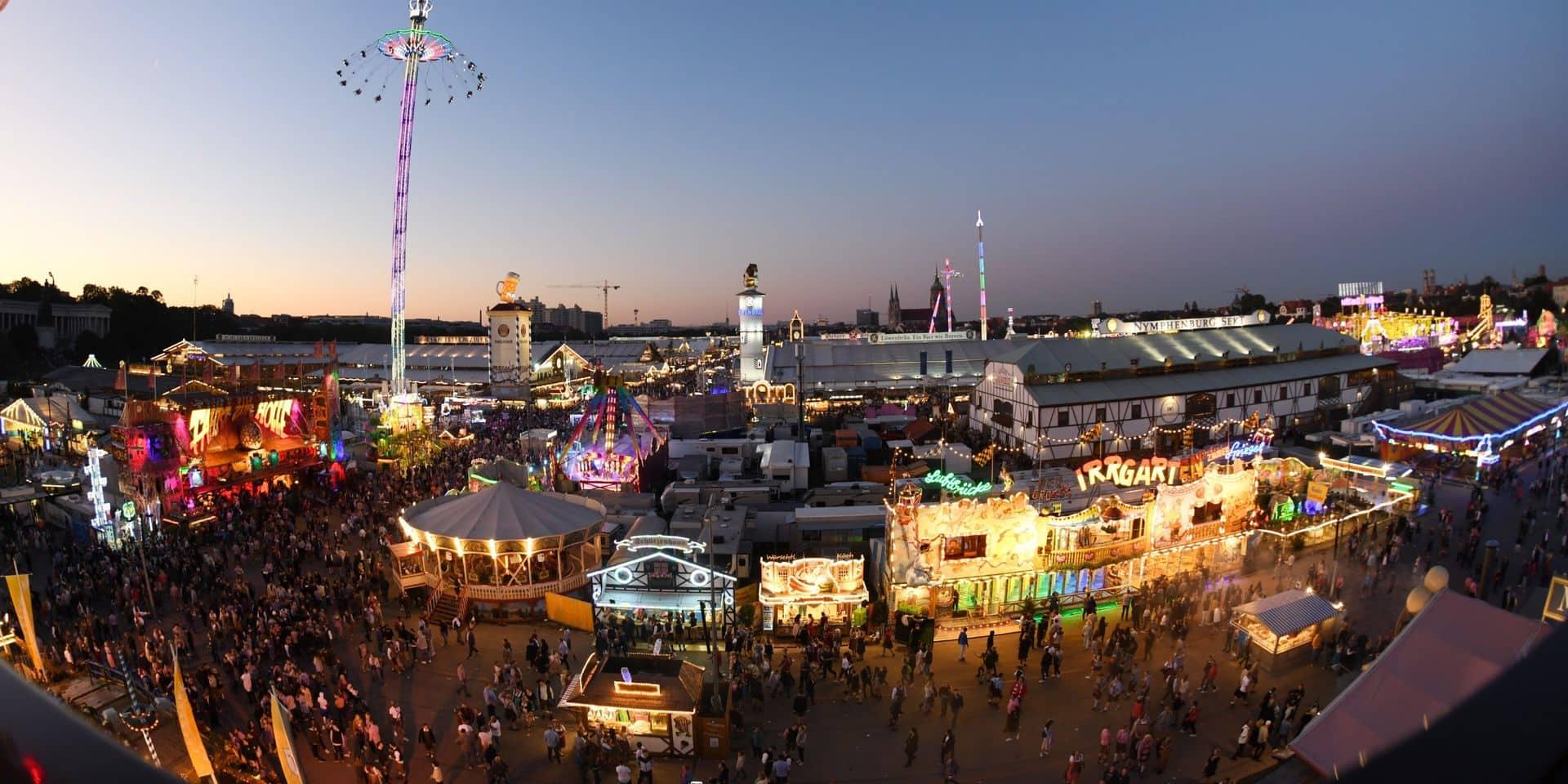 Des dizaines de milliers de visiteurs pour la première journée de l'Oktoberfest à Munich