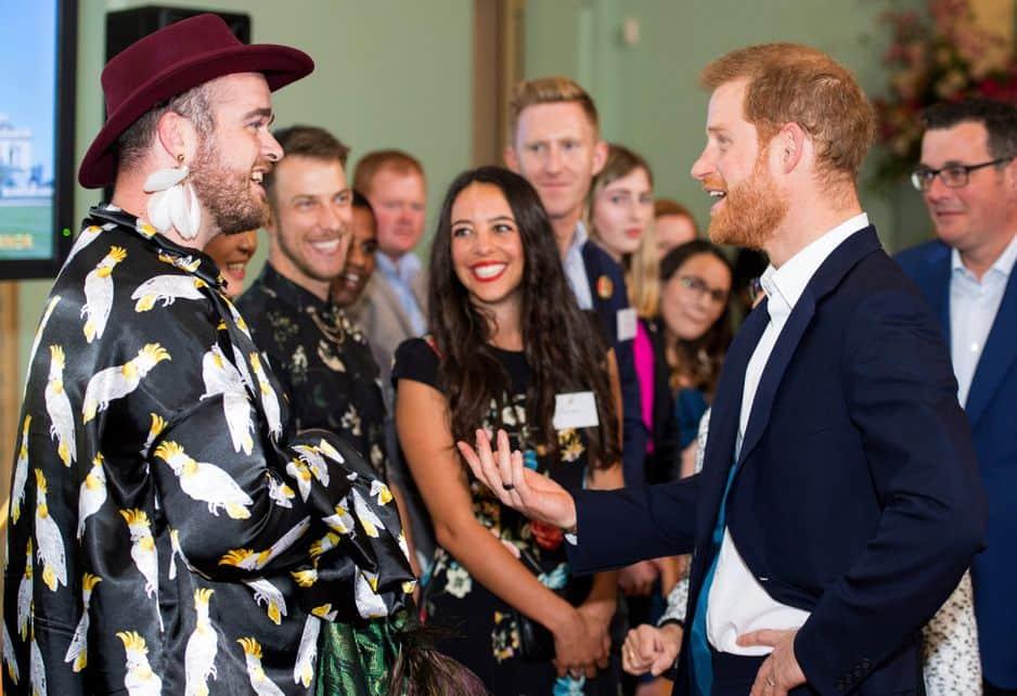 Tandis que Harry rencontrait un artiste impressionnant Jacob Thomas...